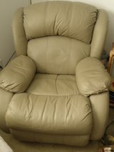 Lane Leather Taupe/Tan Recliner Chair $195.00 - LIKE NEW - Great for Naps in Wilmington, North Carolina