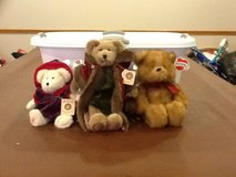 Three collectible bears in Shorewood, Illinois