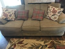 Couch love seat combo need gone asap in Fort Rucker, Alabama