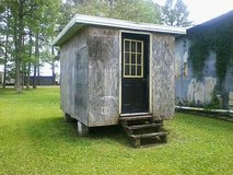 Shed 8 x 12 Metal Roof. Potential Tiny House. Needs painted - in Camp Lejeune, North Carolina