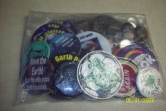 Bag of misc BUTTONS in 29 Palms, California