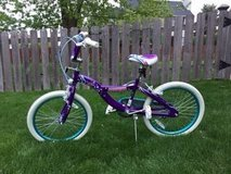 Girls 20 inch Schwinn Mist bike in Glendale Heights, Illinois