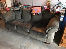 couch must sale in Fort Leonard Wood, Missouri