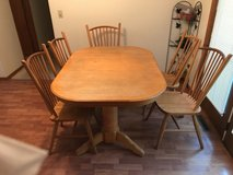 Oak Dining Table with 5 Chairs in Fort Leonard Wood, Missouri