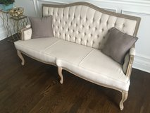 Baxton  bench -beautiful, Very good condition in Naperville, Illinois