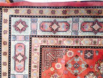 Handmade gorgeous carpet/rug wool 170x270cm Excelent condition .pet and smoke free in Ramstein, Germany