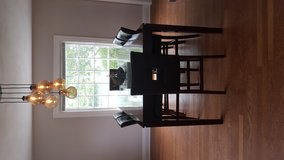 Wood dining table 6 chairs in Wright-Patterson AFB, Ohio