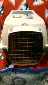 Petmate Kennel Cab carrier in Naperville, Illinois