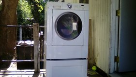 Nice Frigidaire front load washer in Pasadena, Texas