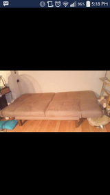 Like new Futon in Fairfield, California