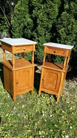White marble tops  night stands x 2 in Wiesbaden, GE