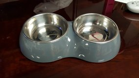 Small dog/cat food and water bowl set in New Lenox, Illinois