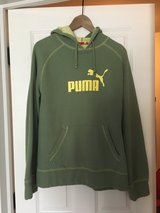 Men's puma sweatshirt Medium in Chicago, Illinois