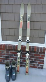 Snow Skis and Boots in Camp Lejeune, North Carolina