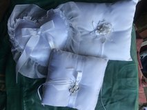 3 Wedding Pillows in Leesville, Louisiana