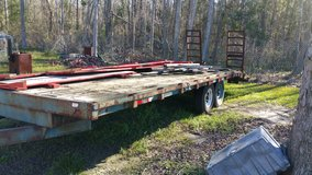 Trailer dovetail deck over in Hinesville, Georgia