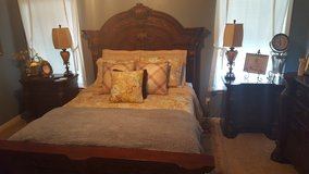 Bedroom suit in Dothan, Alabama