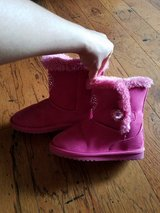 Girls Pink Boots, Size 1M in Fort Campbell, Kentucky