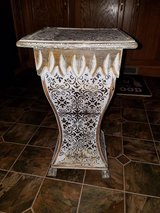 Wood Deco Floor Column Stand in Fort Campbell, Kentucky