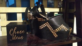 super cute clog like sandals in Indianapolis, Indiana