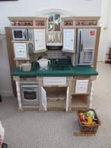 Step 2 Deluxe Play Kitchen in Cherry Point, North Carolina