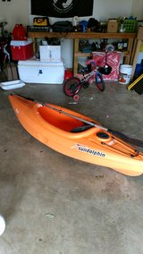 Kayak. Sundolphin w paddle 8 ft in bookoo, US