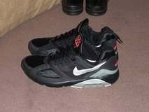 NIKE AIR MAX 180, like new, size 9.5; MENS in Okinawa, Japan