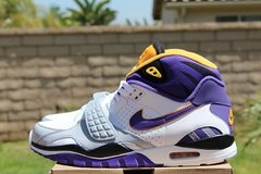 NIKE air trainer, minesotta vikings colorway, size 10; MENS in Okinawa, Japan