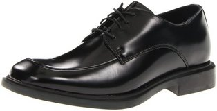 Kenneth cole dress shoes, merge LE, size 8, black leather in Okinawa, Japan