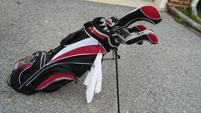 Golf clubs and bag with stand in Waldorf, Maryland