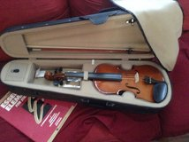 Palatine Vn 350 Violin in Fort Campbell, Kentucky