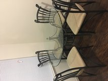 Dining room table and chairs in Bolling AFB, DC