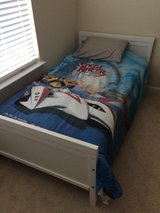 Extendable bed w/mattress in Waldorf, Maryland