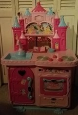 Princess play  kitchen in Fort Campbell, Kentucky