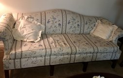 Queen Anne sofa in Fort Benning, Georgia