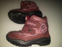 BURGUNDY WINTER BOOTS, WARM AND WATER RESISTANT, SIZE EU26 in Ramstein, Germany