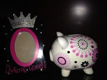 Piggy bank and picture frame in Fort Leavenworth, Kansas