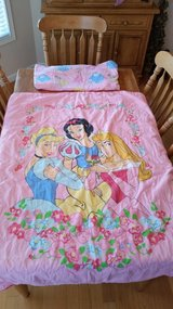 Princess Toddler Bed Comforter & Fitted Sheet in Hopkinsville, Kentucky