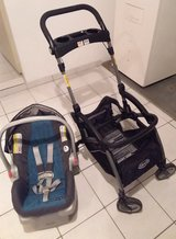 Graco lightweight infant car seat with base and stroller frame in Stuttgart, GE