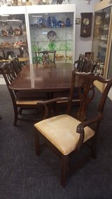 DINING TABLE & CHAIRS in Camp Lejeune, North Carolina