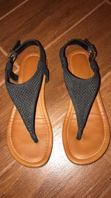 a.n.a. Sandals size 8 in Yuma, Arizona
