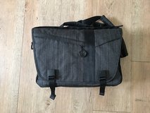 Camera Bag - Tenba Messenger DNA 13 - Great Condition in Okinawa, Japan