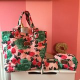 Marc jacobs large tote, cosmetic pouch and wristlet set in Grafenwoehr, GE