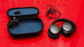 Bose  headphones QuietComfort 25 (NIB) in Ramstein, Germany