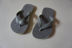 Boys Old Navy Gray/Neon Flip Flops Size 12/13 in Joliet, Illinois