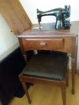 singer sewing machine and chair set in Ramstein, Germany