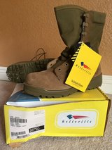 Boots Belleville Jungle Desert size 6W in Camp Pendleton, California