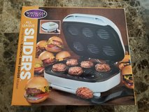 BRAND NEW! Nostalgia Electrics SM-500 All League Sliders Electric Mini Burger Maker in Fort Campbell, Kentucky