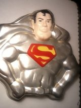 Vintage Super Hero Cake Pan 1977 Batman / Superman in Clarksville, Tennessee