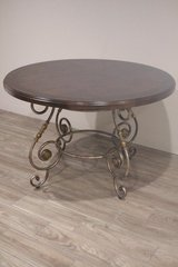 Elegant Round Table in Kingwood, Texas